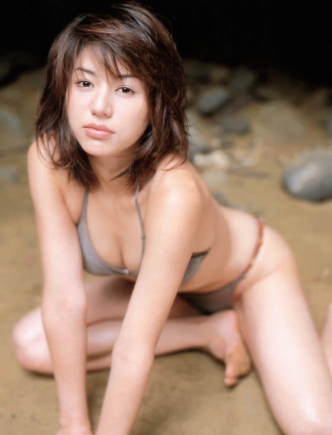 【井川遥グラビア画像】40歳を越えて近頃インスタで綺麗と囁かれている美熟女が昔撮ったセクシー画像 37