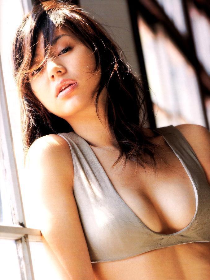 【井川遥グラビア画像】40歳を越えて近頃インスタで綺麗と囁かれている美熟女が昔撮ったセクシー画像 41