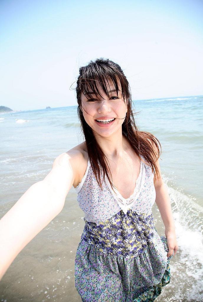 【井川遥グラビア画像】40歳を越えて近頃インスタで綺麗と囁かれている美熟女が昔撮ったセクシー画像 49
