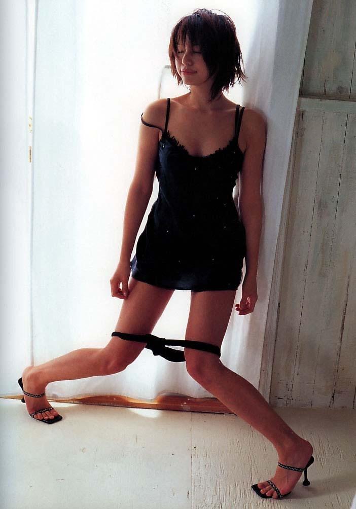 【井川遥グラビア画像】40歳を越えて近頃インスタで綺麗と囁かれている美熟女が昔撮ったセクシー画像 55
