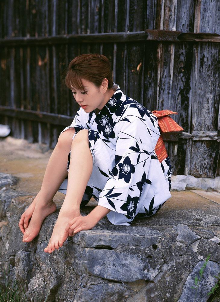 【井川遥グラビア画像】40歳を越えて近頃インスタで綺麗と囁かれている美熟女が昔撮ったセクシー画像 56