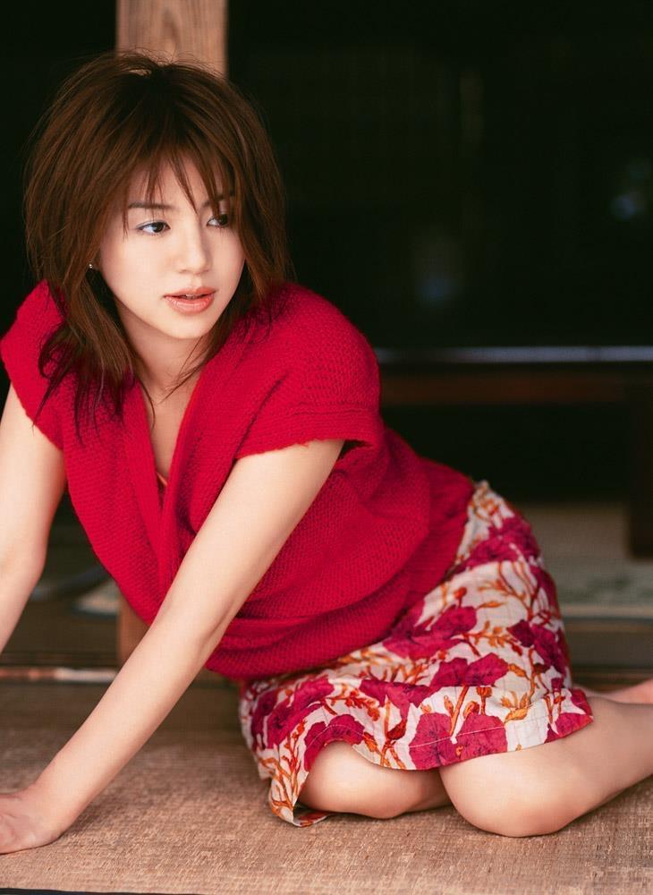 【井川遥グラビア画像】40歳を越えて近頃インスタで綺麗と囁かれている美熟女が昔撮ったセクシー画像 57