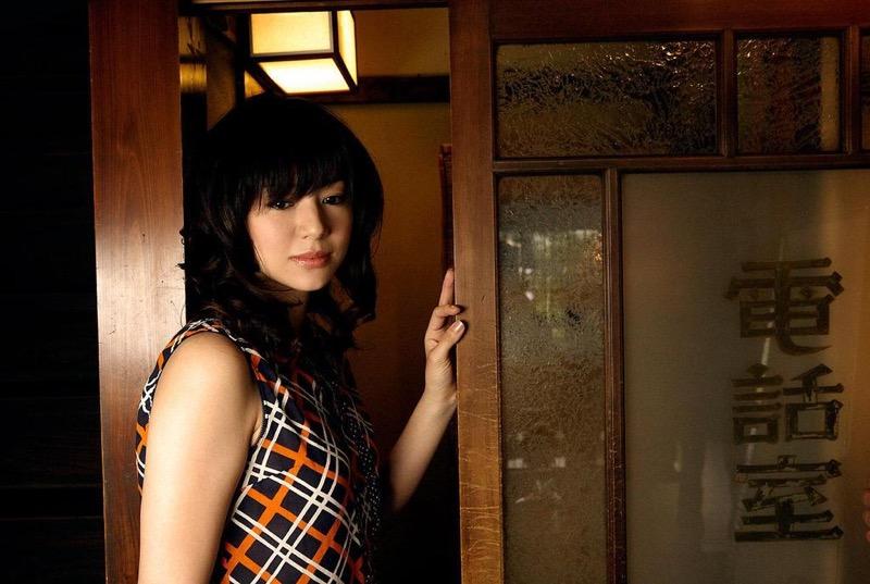 【井川遥グラビア画像】40歳を越えて近頃インスタで綺麗と囁かれている美熟女が昔撮ったセクシー画像 66
