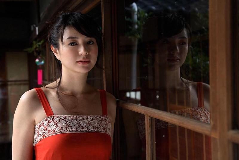 【井川遥グラビア画像】40歳を越えて近頃インスタで綺麗と囁かれている美熟女が昔撮ったセクシー画像 72