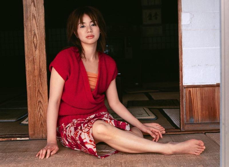 【井川遥グラビア画像】40歳を越えて近頃インスタで綺麗と囁かれている美熟女が昔撮ったセクシー画像 78