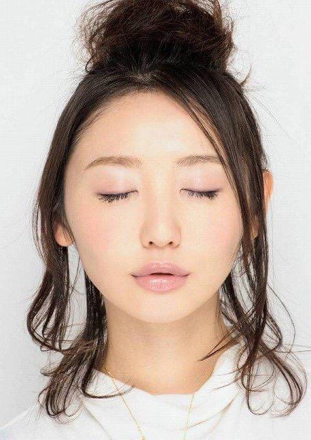 【芸能人キス顔画像】テレビで見かける美人タレントたちの可愛くてちょっとセクシーなキス画像 13