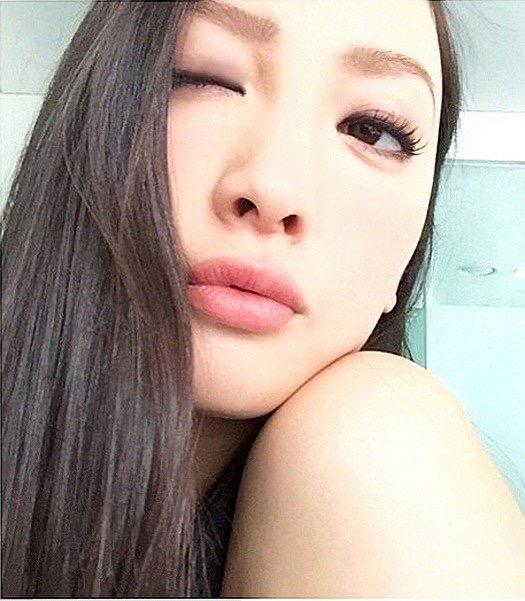 【芸能人キス顔画像】テレビで見かける美人タレントたちの可愛くてちょっとセクシーなキス画像 18