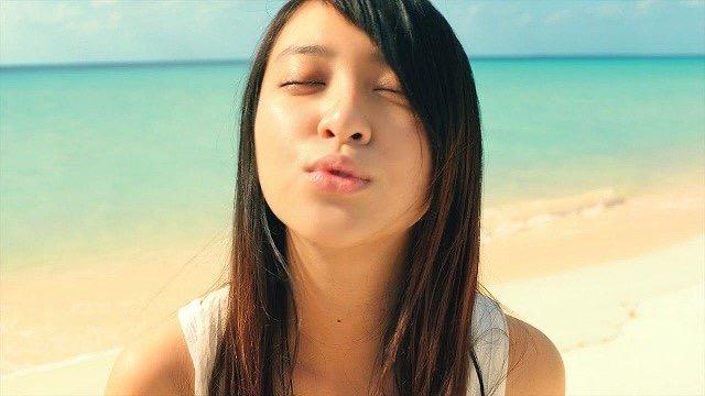 【芸能人キス顔画像】テレビで見かける美人タレントたちの可愛くてちょっとセクシーなキス画像 49