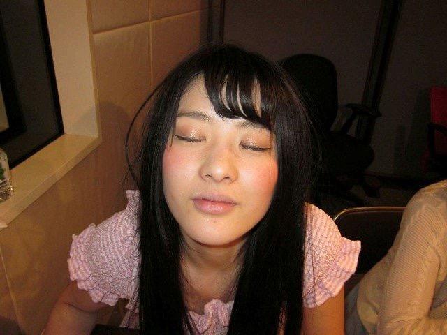 【芸能人キス顔画像】テレビで見かける美人タレントたちの可愛くてちょっとセクシーなキス画像 53