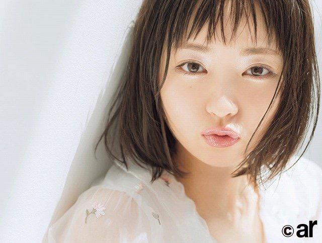 【芸能人キス顔画像】テレビで見かける美人タレントたちの可愛くてちょっとセクシーなキス画像 55