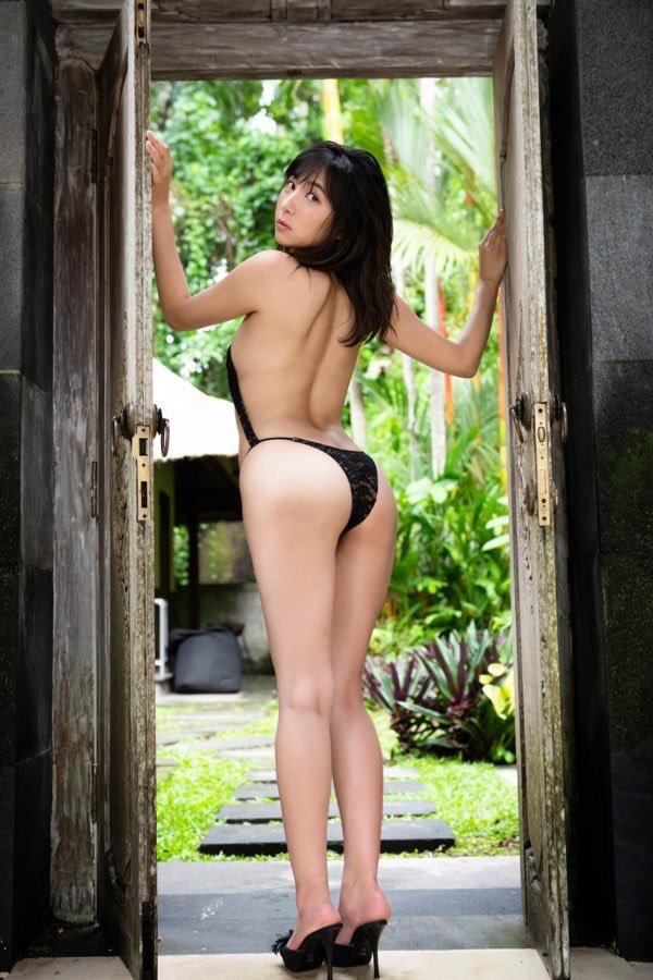 【南沙羽エロ画像】Fカップ巨乳の谷間をツイッターで見せつけてるサービス満点なグラビアアイドル 06