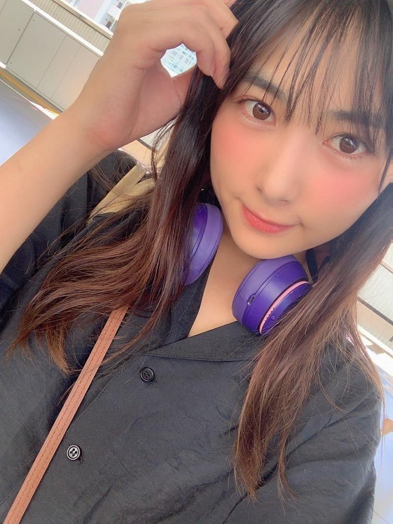 【南沙羽エロ画像】Fカップ巨乳の谷間をツイッターで見せつけてるサービス満点なグラビアアイドル 30