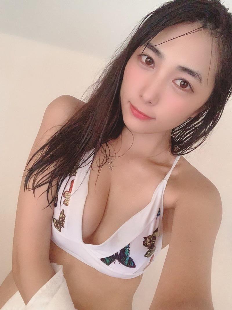 【南沙羽エロ画像】Fカップ巨乳の谷間をツイッターで見せつけてるサービス満点なグラビアアイドル 38