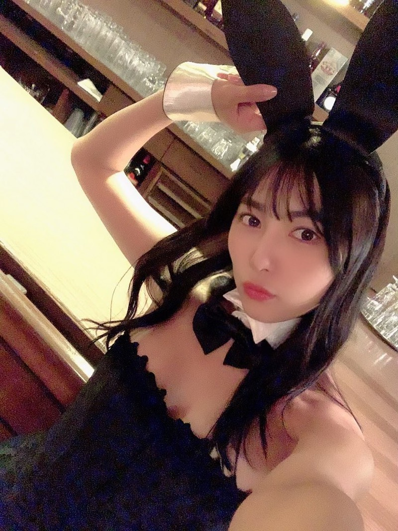 【南沙羽エロ画像】Fカップ巨乳の谷間をツイッターで見せつけてるサービス満点なグラビアアイドル 42