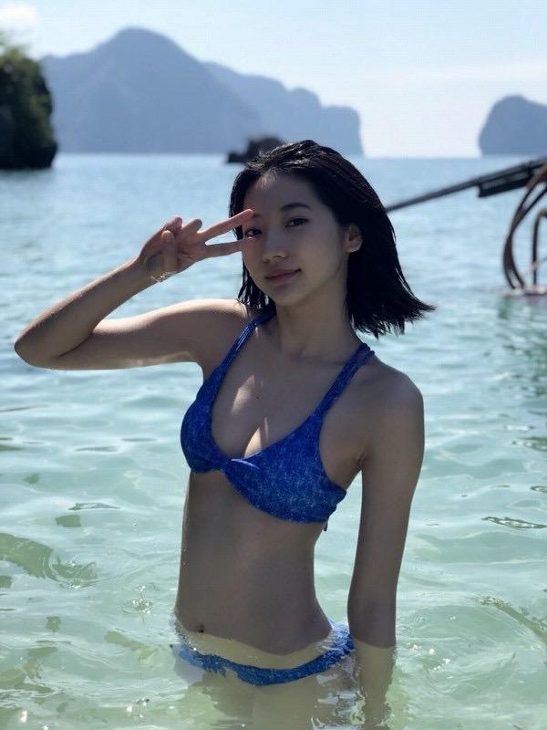 【武田玲奈グラビア画像】スレンダーだけどクビレがあるビキニ姿がエッチなショートカット美少女 10