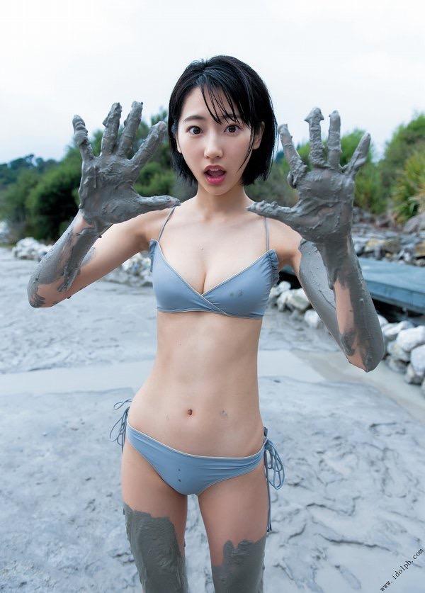 【武田玲奈グラビア画像】スレンダーだけどクビレがあるビキニ姿がエッチなショートカット美少女 16
