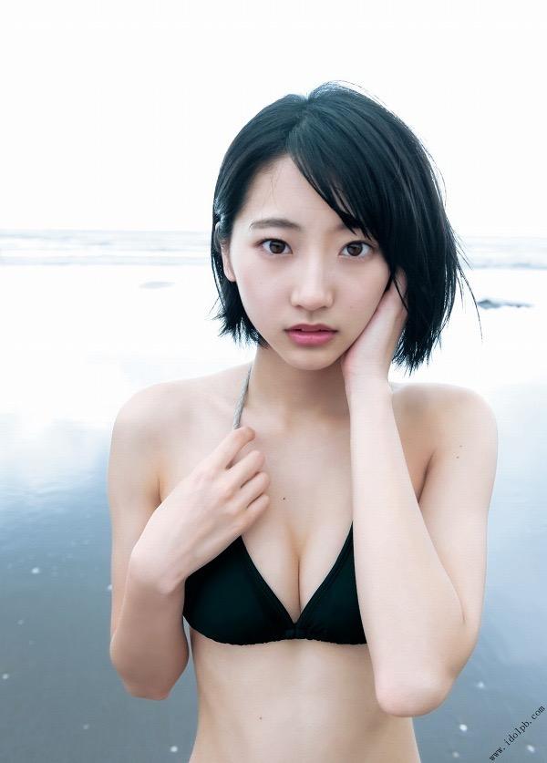 【武田玲奈グラビア画像】スレンダーだけどクビレがあるビキニ姿がエッチなショートカット美少女 23