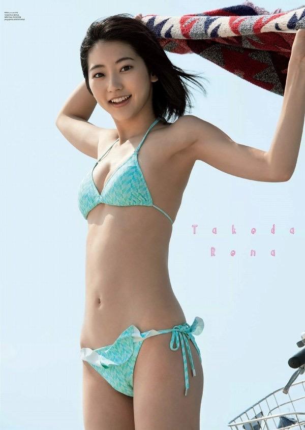 【武田玲奈グラビア画像】スレンダーだけどクビレがあるビキニ姿がエッチなショートカット美少女 38