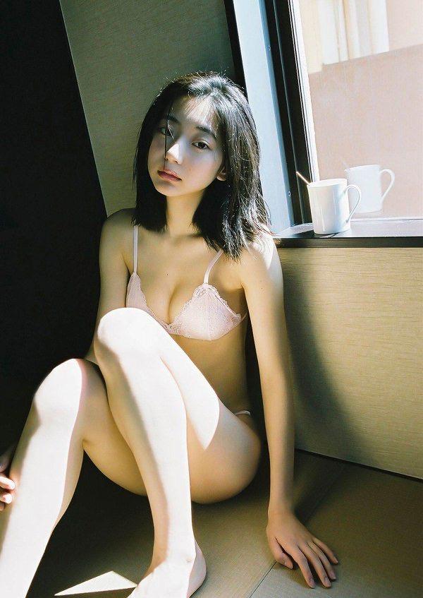 【武田玲奈グラビア画像】スレンダーだけどクビレがあるビキニ姿がエッチなショートカット美少女 40