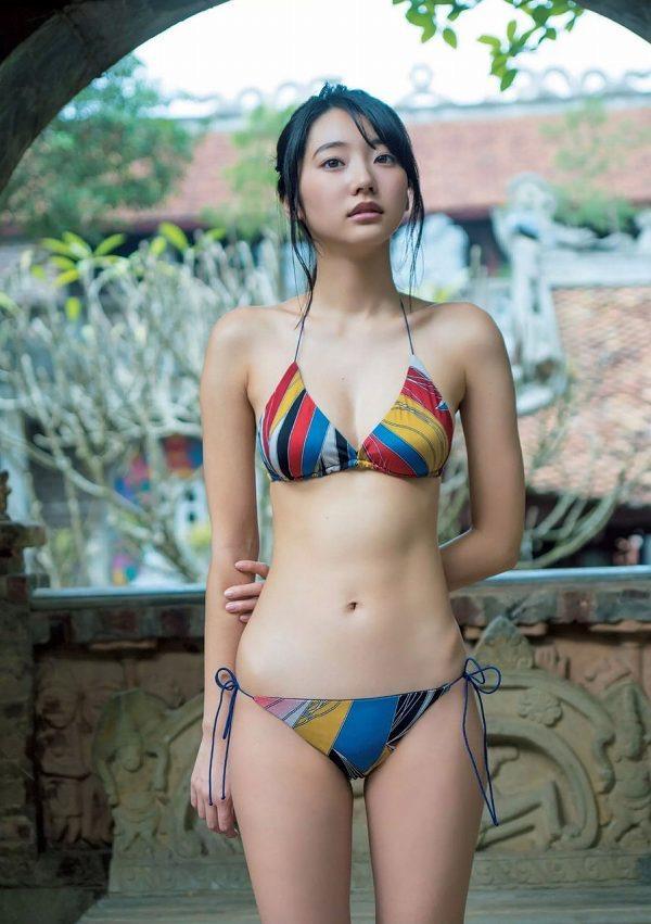 【武田玲奈グラビア画像】スレンダーだけどクビレがあるビキニ姿がエッチなショートカット美少女 49