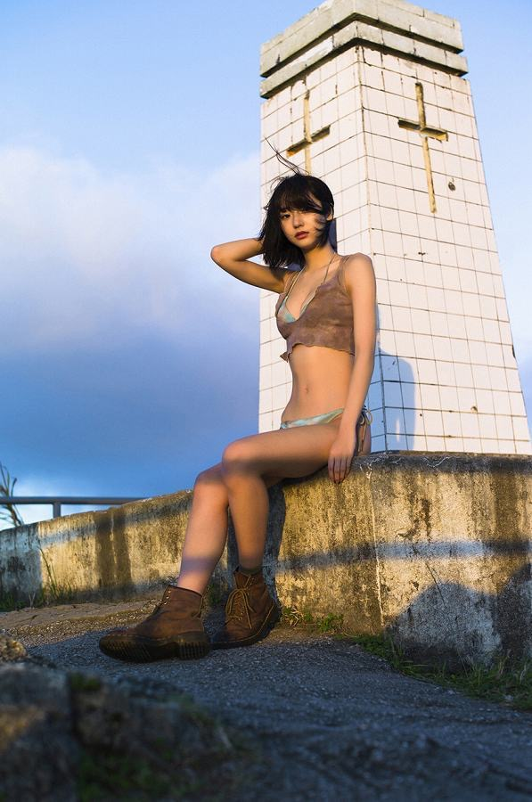 【武田玲奈グラビア画像】スレンダーだけどクビレがあるビキニ姿がエッチなショートカット美少女 60