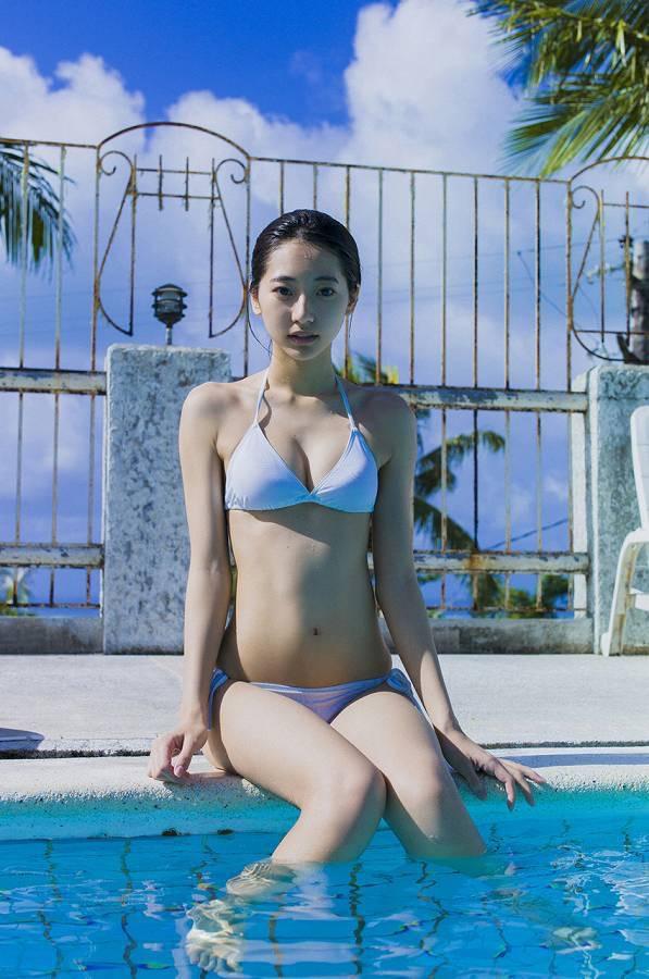 【武田玲奈グラビア画像】スレンダーだけどクビレがあるビキニ姿がエッチなショートカット美少女 63