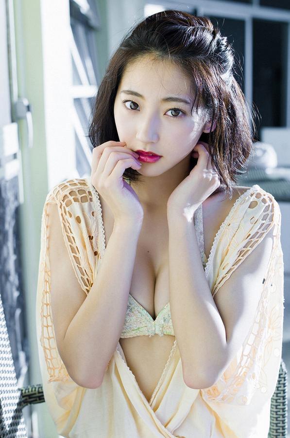 【武田玲奈グラビア画像】スレンダーだけどクビレがあるビキニ姿がエッチなショートカット美少女 73