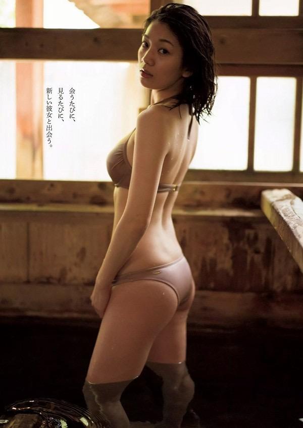 【佐藤美希グラビア画像】Gカップ巨乳ボディにキュッとクビレた56cmのウエストがエロくてヌケるわwwww 54