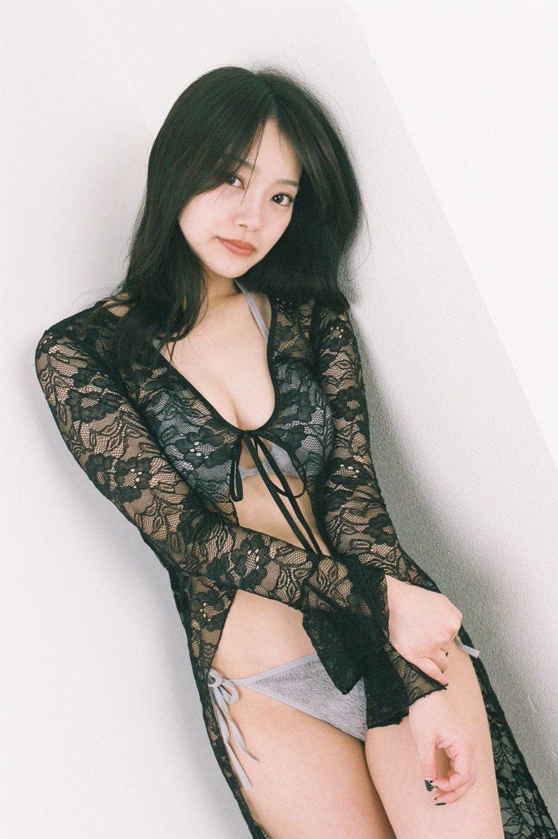 【青科まきエロ画像】Fカップの居酒屋店員が話題を呼んでグラビアアイドルとしてデビューしたってマジかwwww 08