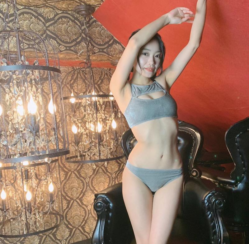 【青科まきエロ画像】Fカップの居酒屋店員が話題を呼んでグラビアアイドルとしてデビューしたってマジかwwww 80