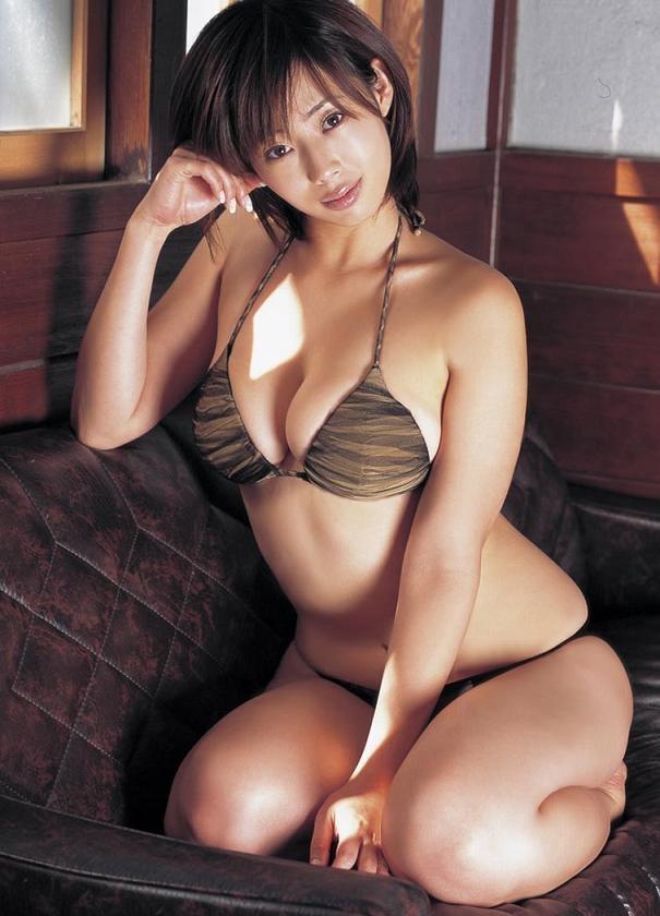 【井上和香グラビア画像】かつて「ワカパイ」と呼ばれたFカップ巨乳のグラビアアイドルの現在は? 04