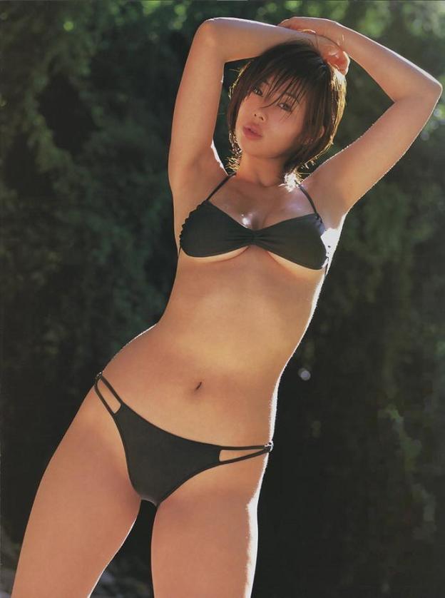 【井上和香グラビア画像】かつて「ワカパイ」と呼ばれたFカップ巨乳のグラビアアイドルの現在は? 09