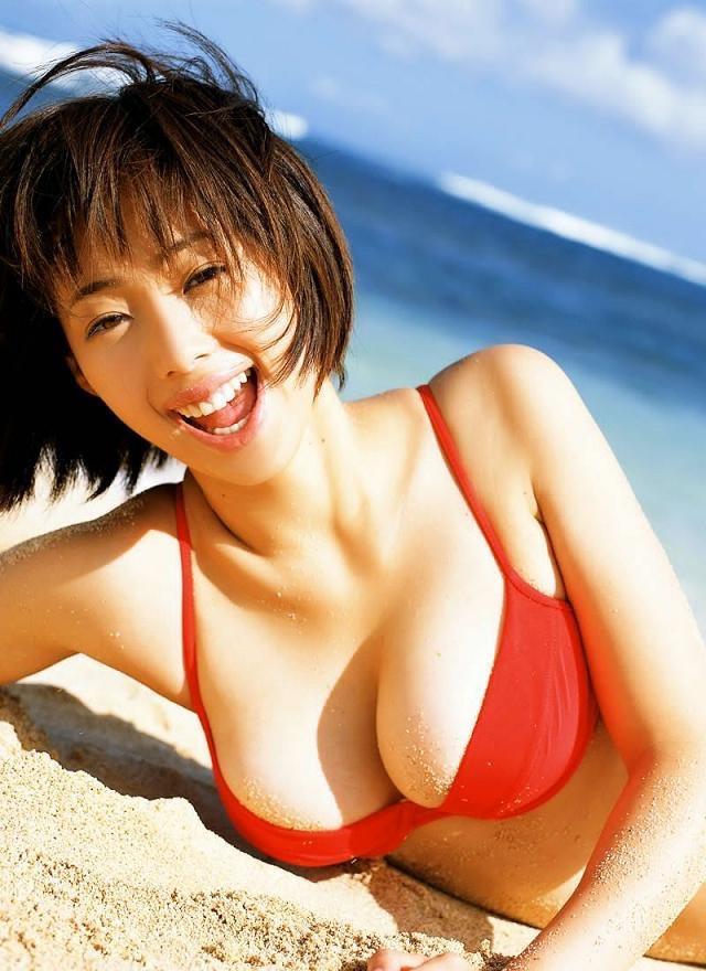 【井上和香グラビア画像】かつて「ワカパイ」と呼ばれたFカップ巨乳のグラビアアイドルの現在は? 14