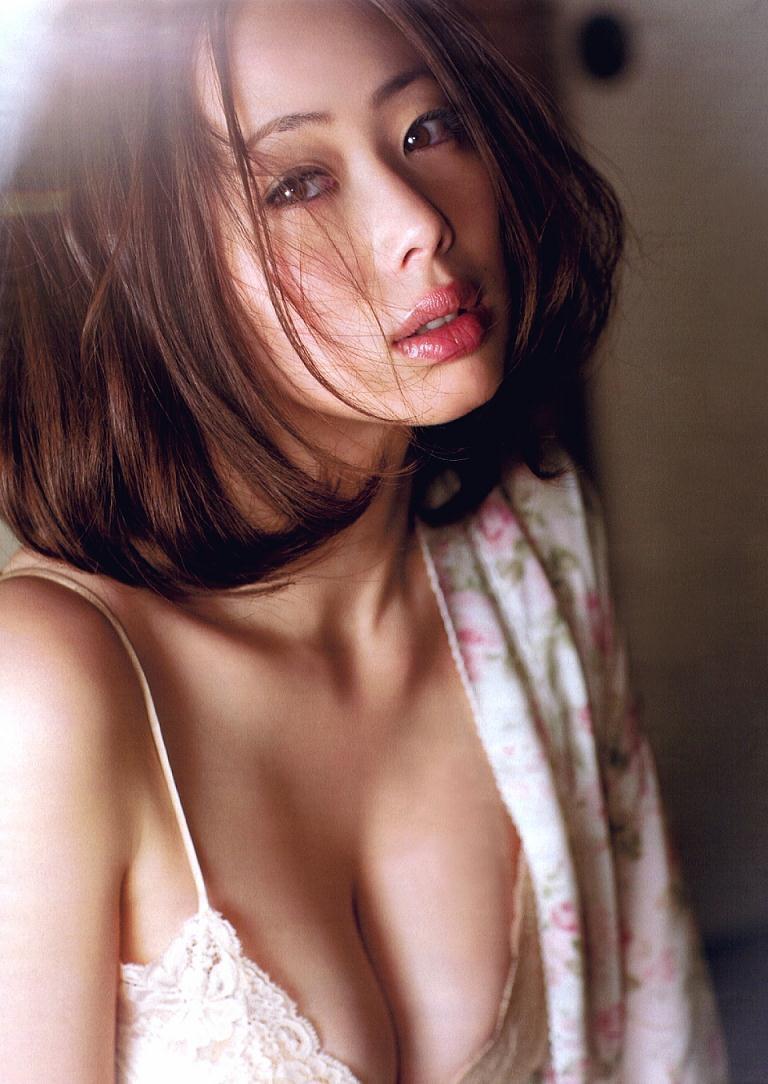 【井上和香グラビア画像】かつて「ワカパイ」と呼ばれたFカップ巨乳のグラビアアイドルの現在は? 49