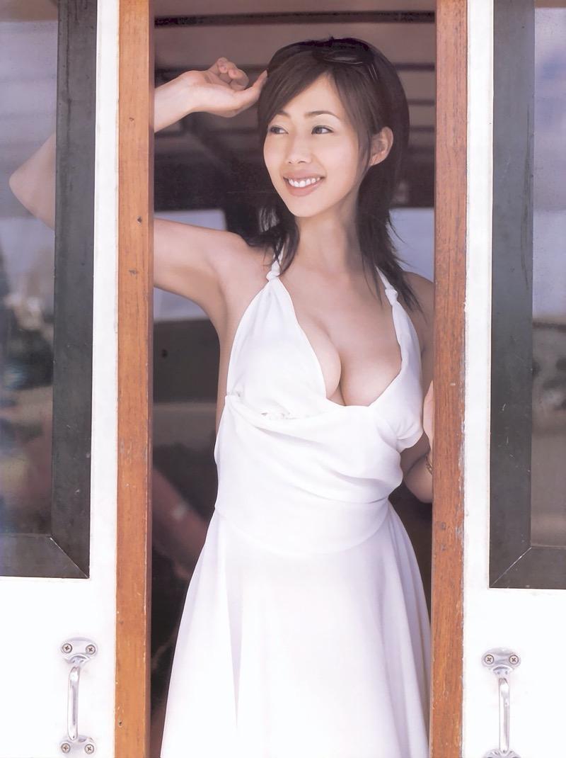 【井上和香グラビア画像】かつて「ワカパイ」と呼ばれたFカップ巨乳のグラビアアイドルの現在は? 72