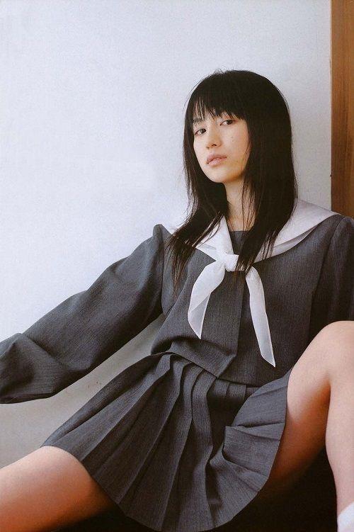 【平田薫グラビア画像】専属モデル出身の美人女優が魅せる可愛くてちょっとだけセクシーなビキニ水着姿 04