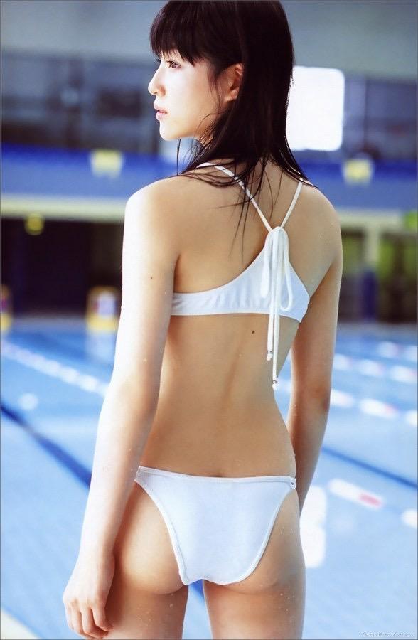 【平田薫グラビア画像】専属モデル出身の美人女優が魅せる可愛くてちょっとだけセクシーなビキニ水着姿 20