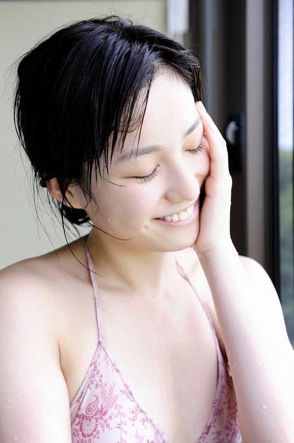 【平田薫グラビア画像】専属モデル出身の美人女優が魅せる可愛くてちょっとだけセクシーなビキニ水着姿 47