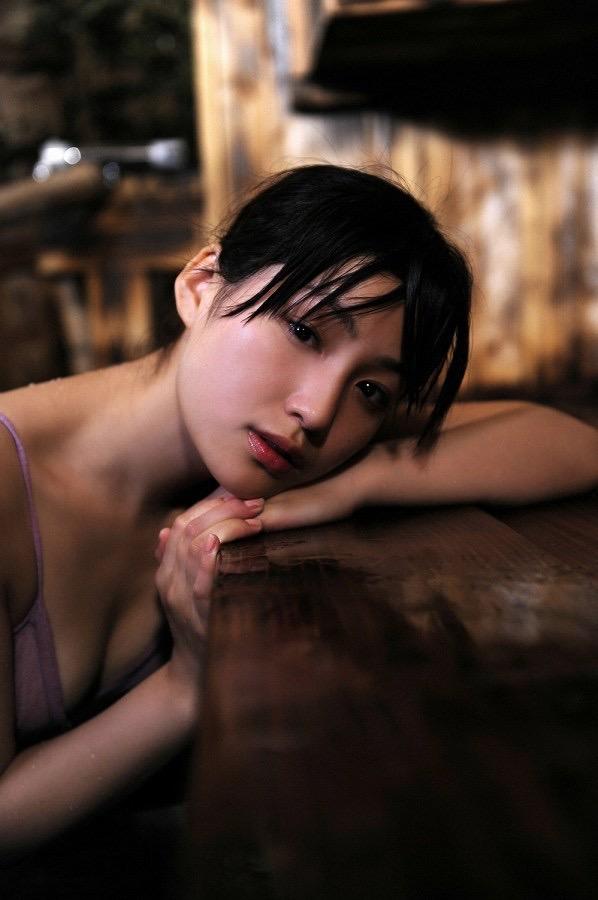 【平田薫グラビア画像】専属モデル出身の美人女優が魅せる可愛くてちょっとだけセクシーなビキニ水着姿 51