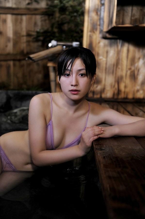 【平田薫グラビア画像】専属モデル出身の美人女優が魅せる可愛くてちょっとだけセクシーなビキニ水着姿 52