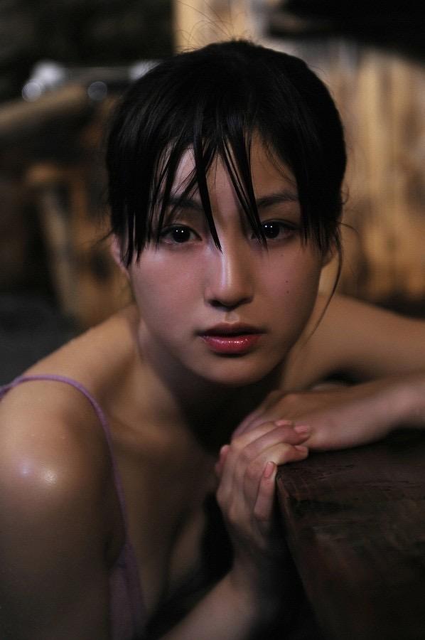 【平田薫グラビア画像】専属モデル出身の美人女優が魅せる可愛くてちょっとだけセクシーなビキニ水着姿 53