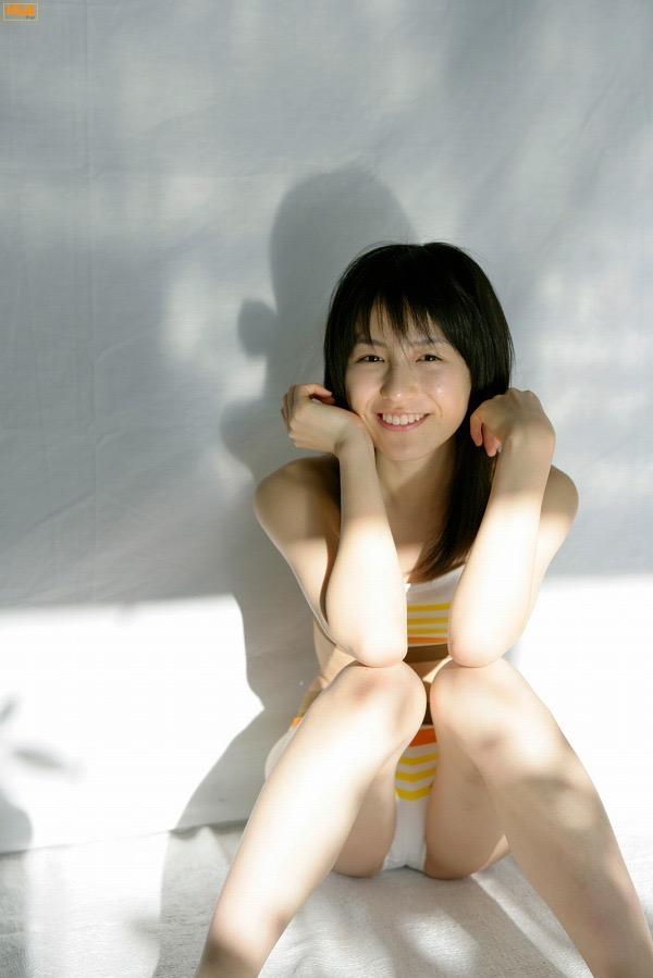 【平田薫グラビア画像】専属モデル出身の美人女優が魅せる可愛くてちょっとだけセクシーなビキニ水着姿 64