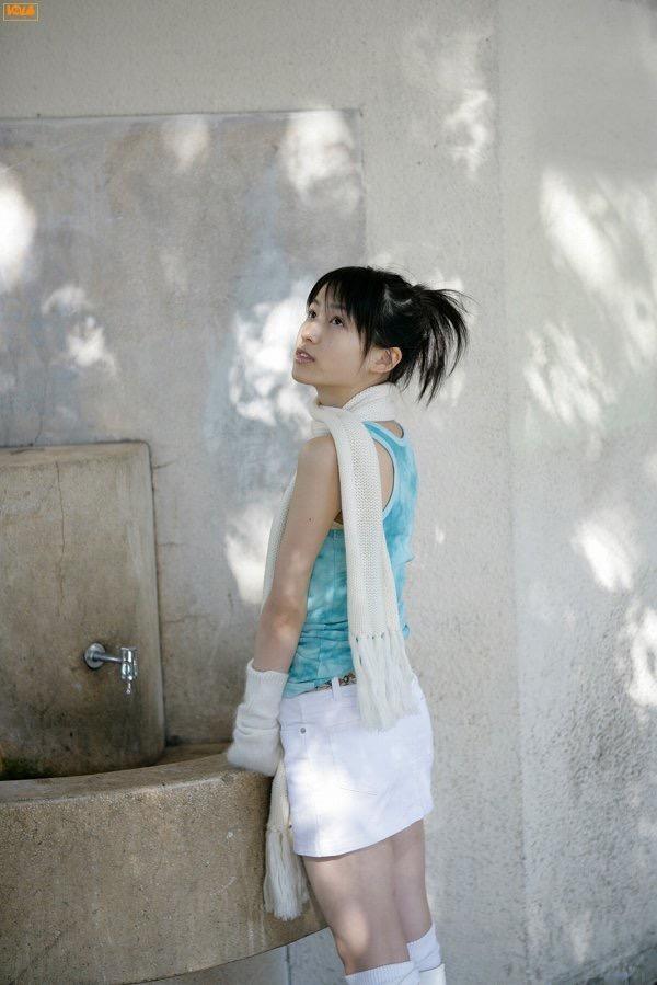 【平田薫グラビア画像】専属モデル出身の美人女優が魅せる可愛くてちょっとだけセクシーなビキニ水着姿 74