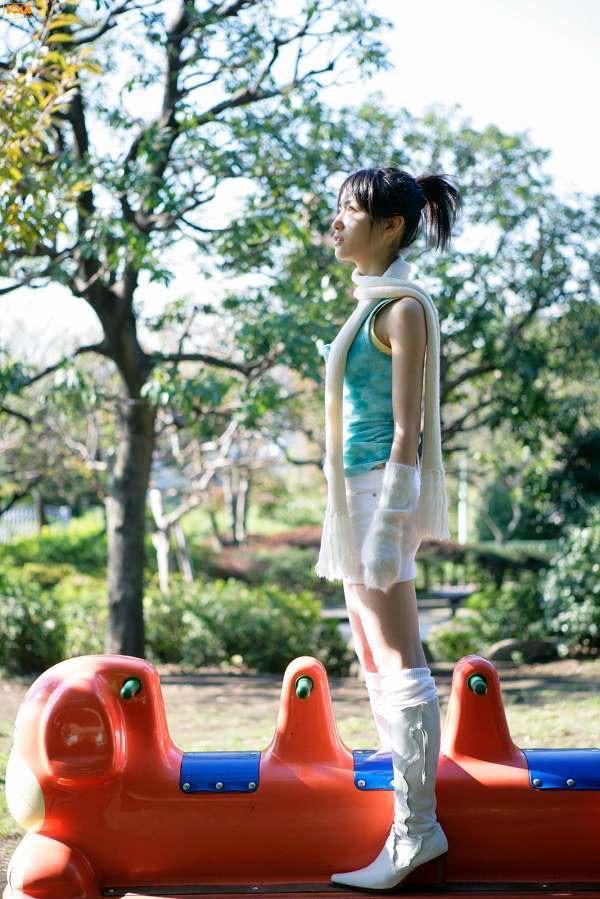 【平田薫グラビア画像】専属モデル出身の美人女優が魅せる可愛くてちょっとだけセクシーなビキニ水着姿 75