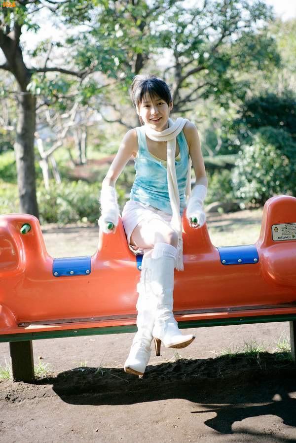 【平田薫グラビア画像】専属モデル出身の美人女優が魅せる可愛くてちょっとだけセクシーなビキニ水着姿 77