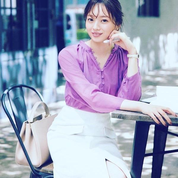 【梅澤美波インスタ画像】グラビアで美脚を披露している乃木坂46アイドルの自撮りが可愛くて癒やされるわw 16