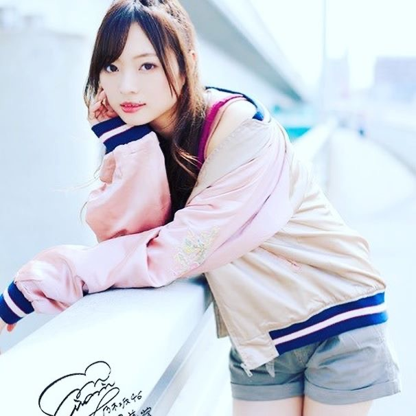 【梅澤美波インスタ画像】グラビアで美脚を披露している乃木坂46アイドルの自撮りが可愛くて癒やされるわw 17