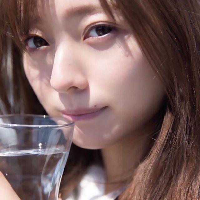 【梅澤美波インスタ画像】グラビアで美脚を披露している乃木坂46アイドルの自撮りが可愛くて癒やされるわw 31