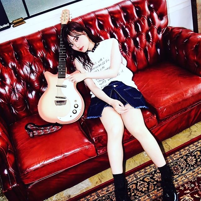 【梅澤美波インスタ画像】グラビアで美脚を披露している乃木坂46アイドルの自撮りが可愛くて癒やされるわw 40