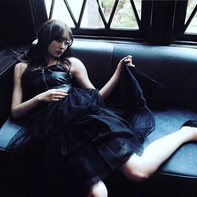 【梅澤美波インスタ画像】グラビアで美脚を披露している乃木坂46アイドルの自撮りが可愛くて癒やされるわw 55